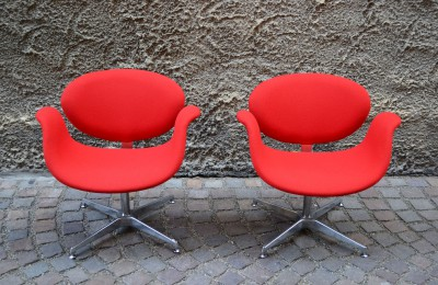 Pair of Little Tulip chairs by Pierre Paulin for Artifort 60s