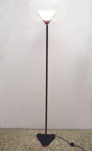 Arteluce-lampada-terra-anni-70-floor-lamp-black-red-70s-italian-design