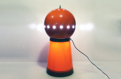 Space-age lamp in plastic and metal, 1960's Italian production