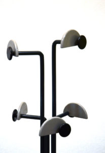 Appendiabiti-anni-80-italian-design-modernariato-coat-rack-80s-furniture 1